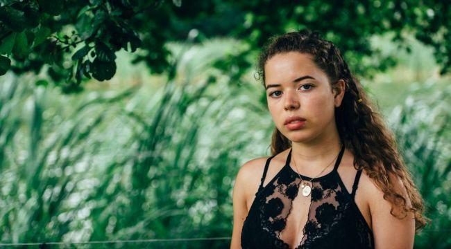 Nilüfer Yanya: Kendimi müziğe kaptırmak istiyorum