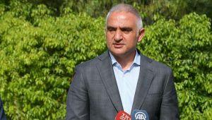 Bakan Ersoy: Turist alınan 70 ülkeye 'niyet mektupları' iletildi