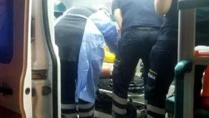 Tren istasyonunda raylara giren kişiyi elektrik çarptı