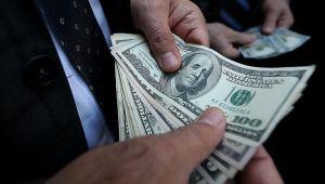 Dolar, Merkez Bankası'nın faiz kararı sonrası geriledi